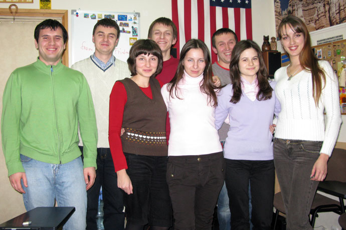 At Terra Nova. From left to right: Vitali Ştiroi, Dmitri Muzlov, Ecaterina Rementova, Sveatoslav Buiucli, Elena Ivancenco, Alexandru Verbiţchi, Marcela Ouatu, Liliana Nistreanu. TOEFL Preparation / Section 3 (M.W.F. Evening Group). December 2009.