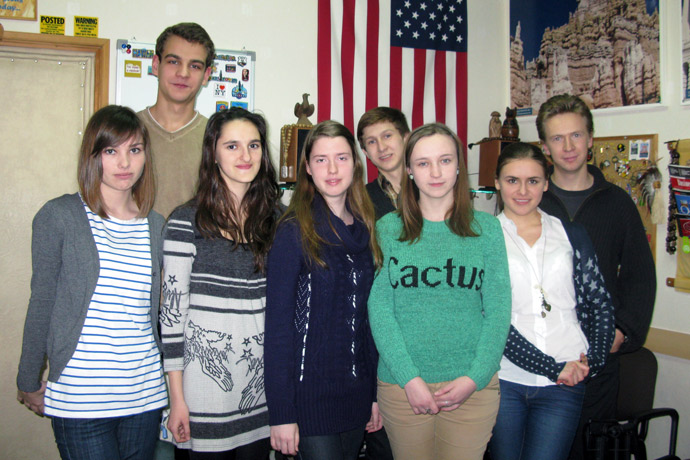 At Terra Nova. From left to right: Irina Soroca, Nicuşor Chiciuc, Nicoleta Copaci, Cristina Hmelniţcaia, Andrei Harin, Ana-Maria Tecuci, Victoria Curmei, and Dmitri Luchin. A meeting with the guest speaker Dmitri Luchin, a member of the Student Government and the president of the Tennis Masters Club at the American University in Bulgaria, commonly known as AUBG. TOEFL Preparation / Section 3 (Tu.Th. Afternoon Group). December 2012.