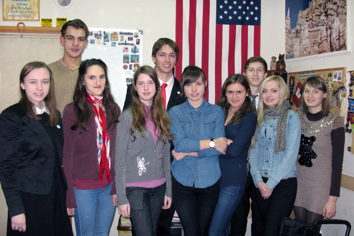 At Terra Nova. From left to right: Ana-Maria Tecuci, Nicuşor Chiciuc, Nicoleta Copaci, Cristina Hmelniţcaia, Roman Şcerban, Irina Soroca, Victoria Curmei, Andrei Harin, Nicoleta Gurmuzachi, and Livia Cebotari. TOEFL Preparation / Section 3 (Tu.Th. Afternoon Group). December 2012.