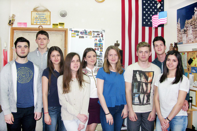 At Terra Nova. From left to right: Eugeniu Dimitriu, Vitalie Roibu, Cristina Bocșanean, Nelly Stratulat, Ecaterina Jorovlea, Felicia Graur, Victor Grigorciuc, Nicolae Nour, and Andriana Draganel. TOEFL Preparation / Section 7 (Sat.Sun. Morning Group). April 2016.