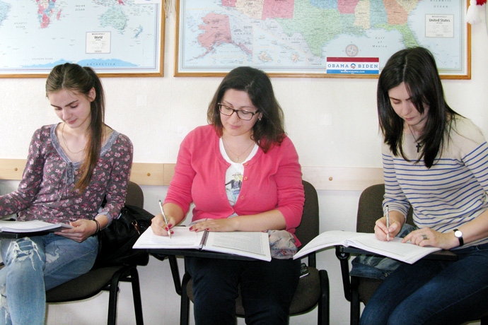 At Terra Nova. From left to right: Iulia Gospodinova, Corina Prigorschi, and Stela Cudalb. TOEFL Preparation / Section 8 (Sat.Sun. Afternoon Group). May 2016.