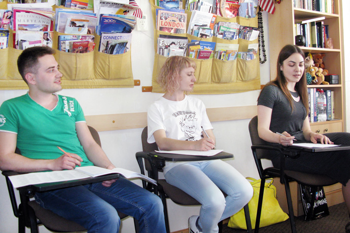 Debating (the Karl Popper debate format) at Terra Nova. From left to right: Serghei Bordea, Victoria Negara, and Olga Vilcova. TOEFL Preparation / Section 8 (Sat.Sun. Afternoon Group). May 2016.
